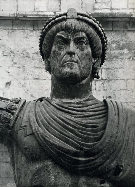 alfarano sindaco barletta statue - photo#16