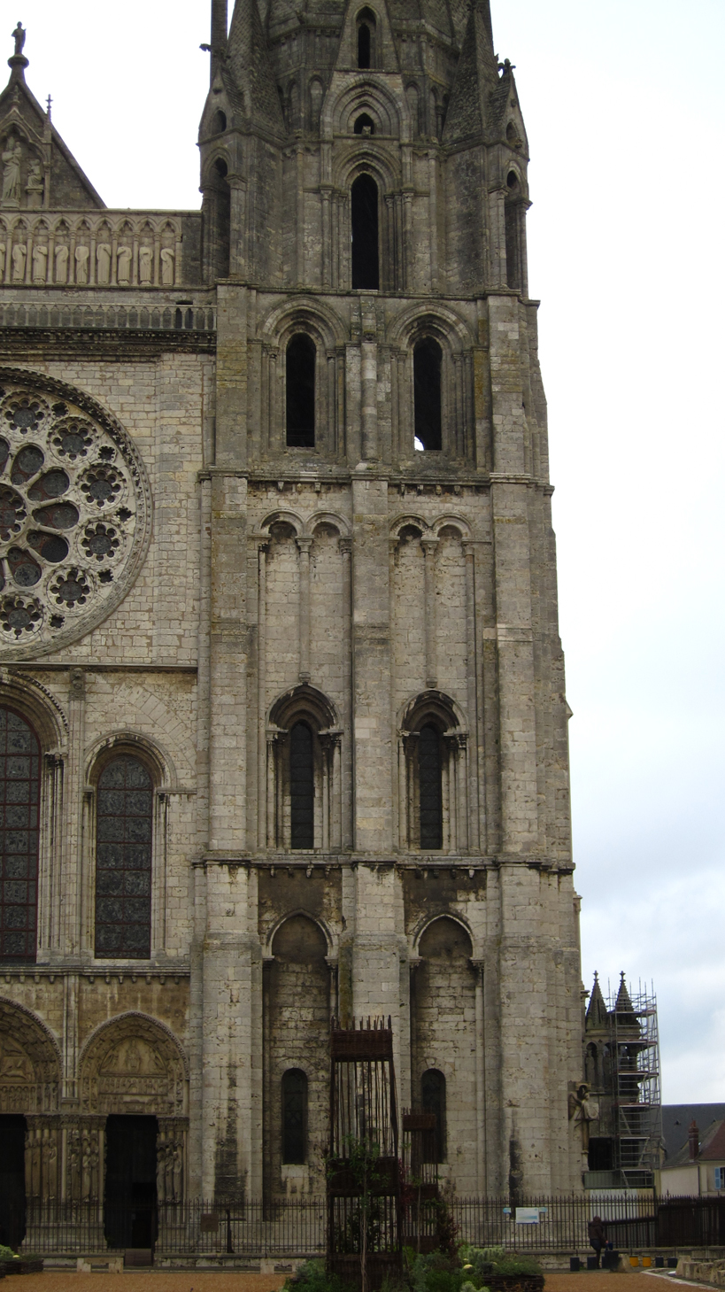 chartres architecture