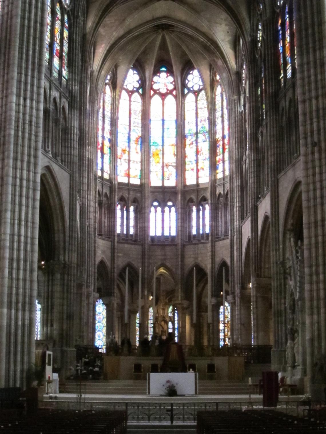 Saint Denis Gard: Gothic Architecture